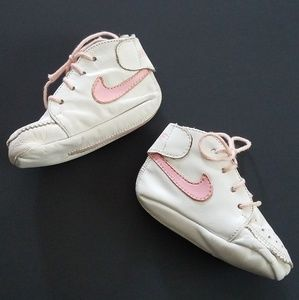Vintage 80's Nike Leather Baby Shoes